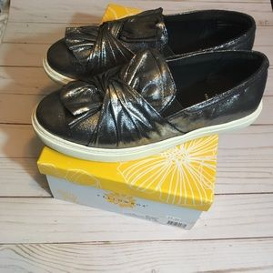 Yellow box wendie pewter slip on ladies size 8.5
